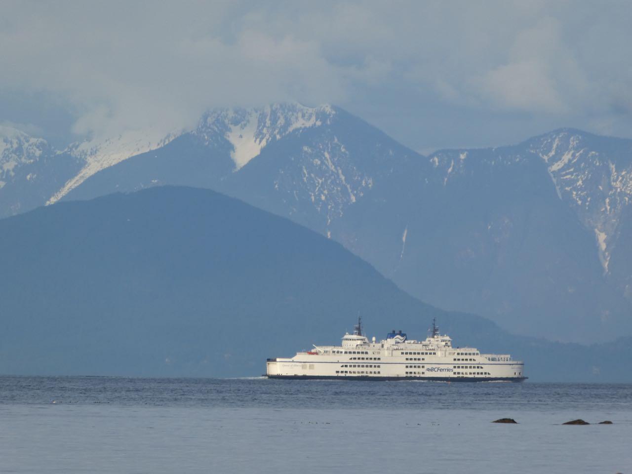 ferry-nearing-mainland